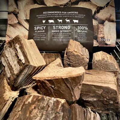Pezzi grandi di legno noce americana  per affumicatura al bbq